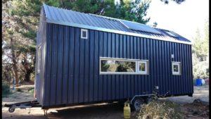 TINY HOUSE CHILE MINGA - Komentovaná prohlídka malého domu pár, který změnil svůj život o 180 °