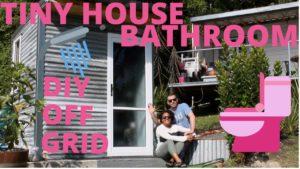 Tiny House Bathroom: OFF-GRID DIY Venkovní koupelna!