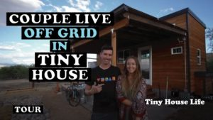 U domu Grid Tiny House na usedlosti kol - plně udržitelný v poušti!