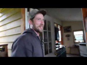 Z mřížky na Aljašce drobné domácí kabina prohlídka interiéru