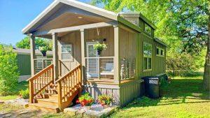 2018 Atény 630 Založeno v Austinově společenství Krásný malý dům