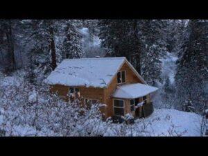 Malý dům v zimě - krásný život