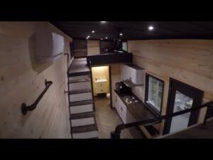 Moderní dvoupokojový domeček postavený pro rodinu - prohlídka
