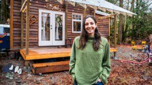 Neuvěřitelný malý domov v lese - prohlídka malého domu ve 4k