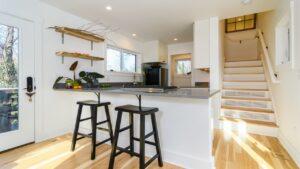 Neuvěřitelně krásný Fulton 600 dvou příběhů domů na prodej od Wishbone Tiny Homes