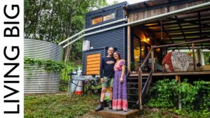 Off-The-Grid Tiny House & Ohromující Syntropic Food Forest Forest Gardens