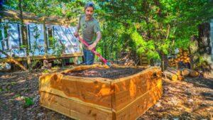 Sklizeň Cedar / Live Edge Cedar Raised Garden Bed / Off Grid Tiny House