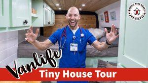 Van Tour | Cestující zdravotní sestra a manželka žijí v plně naloženém maličkém domě Van
