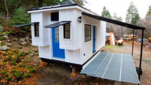 Pár je 192 Sq. Ft. Malý dům na kolech v Sandy, Utah | Krásný malý dům